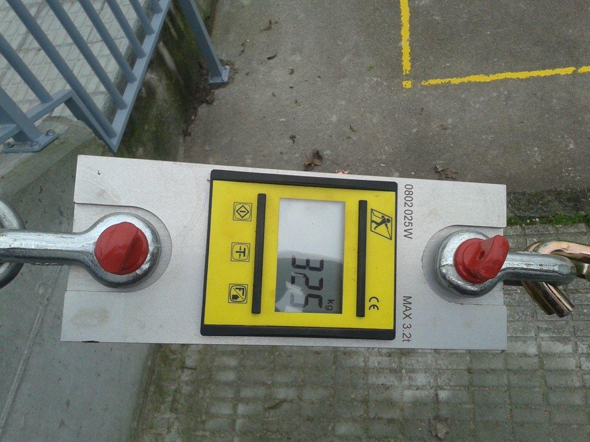 Ensayo de carga de barandillas gancho dinamometro